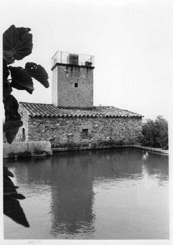 Torre del molí de vent i viver de l'horta del Sitjar. Foto J.B i T. agost de 1985